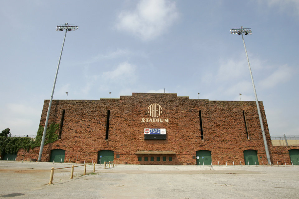 Taft Stadium in Oklahoma City, Oklahoma September 3, 2009. Photo by Steve Gooch, The Oklahoman ORG XMIT: KOD