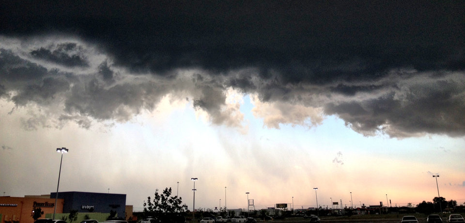 Storm clouds down by the outlet stores - @jayspear