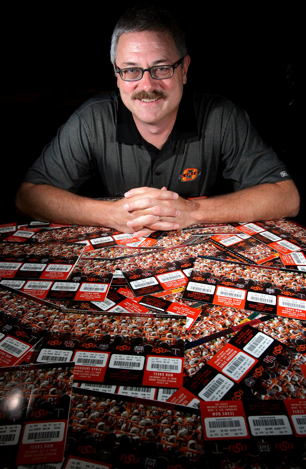 Photo - FOOTBALL SECTION PHOTO -- DO NOT USE!!!!!