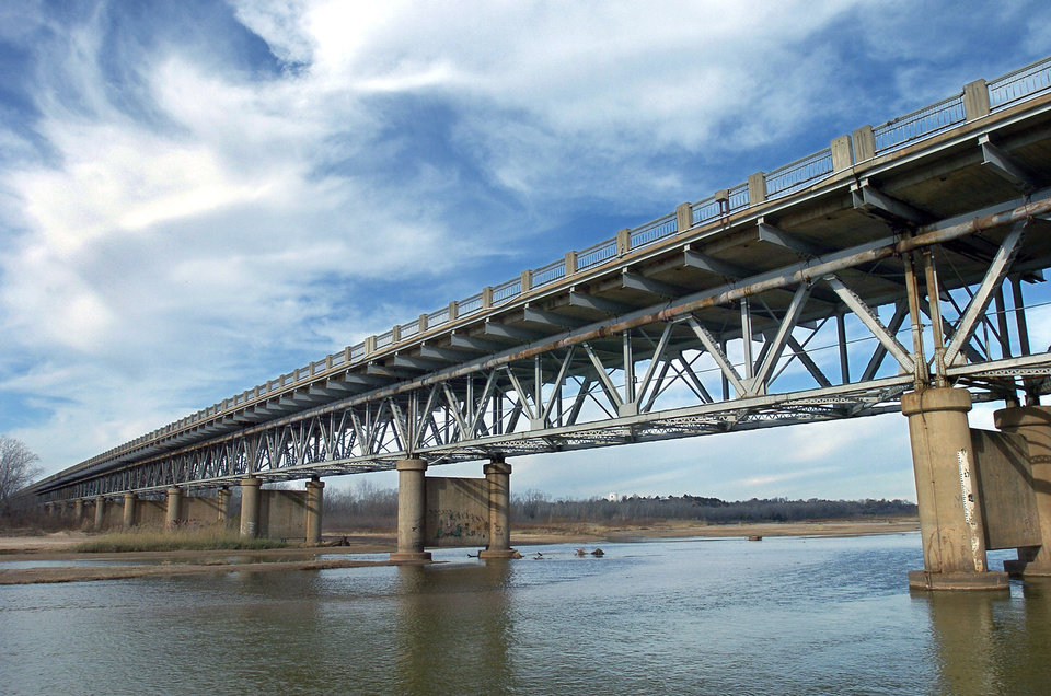 Photo - NORMAN, OKLAHOMA, WEDNESDAY, DECEMBER 10, 2003. U.S. 77 bridge over South Canadian River between Lexington and Purcell. The bridge has been placed on the national registry and is the third longest bridge in the state. Oklahoman staff Photo by Ty Russell.