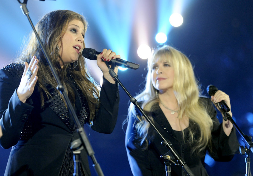 Photo - Hillary Scott, of the musical group Lady Antebellum, left, and Stevie Nicks perform on stage at the 49th annual Academy of Country Music Awards at the MGM Grand Garden Arena on Sunday, April 6, 2014, in Las Vegas. (Photo by Chris Pizzello/Invision/AP)