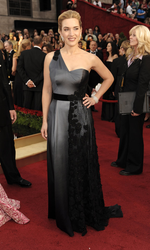 Photo - ** LINDA MILLER'S COMMENTARY:  I'm not a fan of steel gray, but the combination of black added a big dose of sophistication.     ** British actress Kate Winslet, nominated for an Oscar for best actress in a leading role for her work in