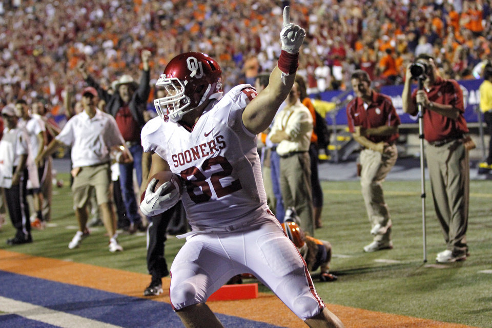 Photo - Oklahoma Sooners tight end Brannon Green (82) reacts after scoring a touchdown during the college football game between the University of Oklahoma Sooners (OU) and the University of Texas El Paso Miners (UTEP) at Sun Bowl Stadium on Sunday, Sept. 2, 2012, in El Paso, Tex.  Photo by Chris Landsberger, The Oklahoman