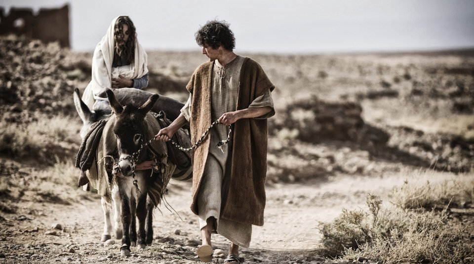 Photo - This image released by 20th Century Fox shows Leila Mimmack, left, and Joe Coen as a young Mary and Joseph in a scene from