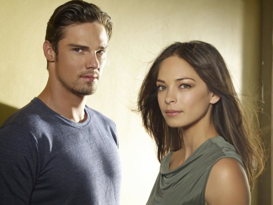 Beauty and the Beast -- Pictured: Jay Ryan as Vincent and Kristin Kreuk as Catherine — Photo: Frank Ockenfels /The CW -- © 2013 The CW Network, LLC. All rights reserved.