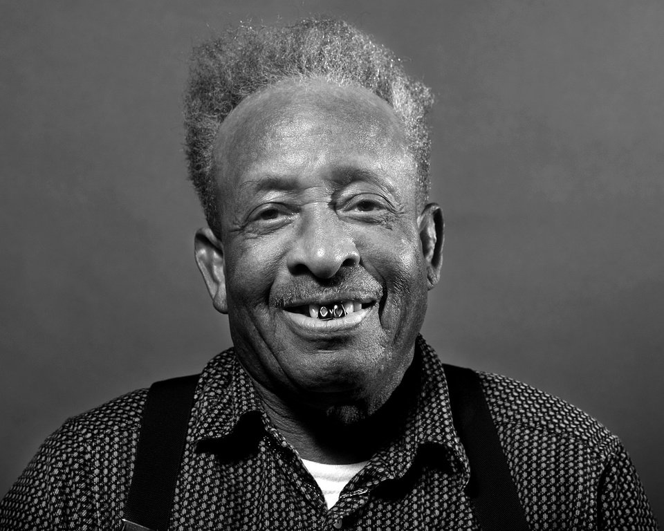 Photo - MLK PROJECT: Leo Turner, 75, poses for a portrait at the Lincoln Senior  Center, 4712 North Martin Luther King Avenue, Wednesday Jan. 13, 2009, in Oklahoma City. Photo by Sarah Phipps, The Oklahoman ORG XMIT: KOD