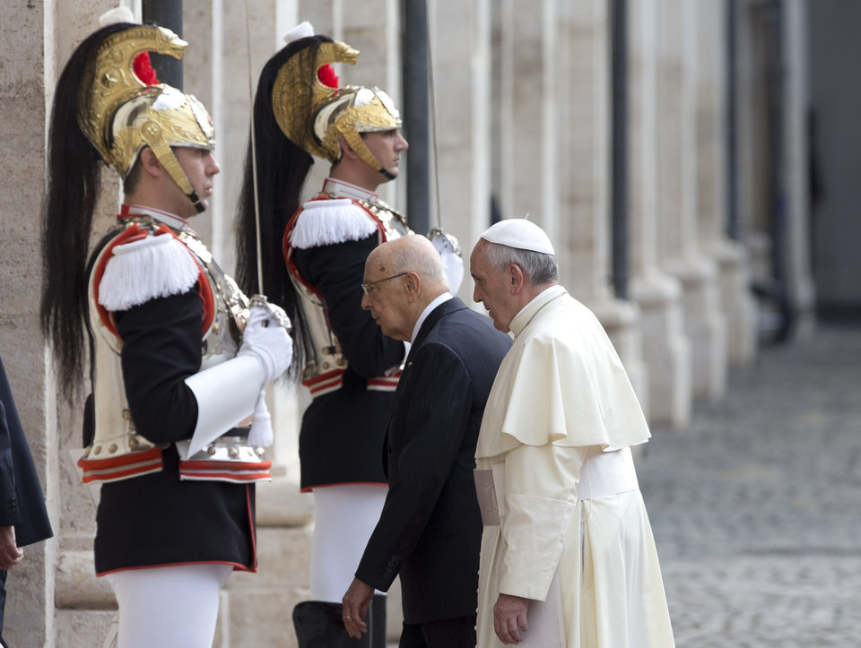 Photo - Pope Francis  is welcomed by Italian president Giorgio Napolitano as he arrives for an official visit at Quirinale Presidential palace in Rome, Thursday, Nov. 14, 2013. (AP Photo/Alessandra Tarantino)