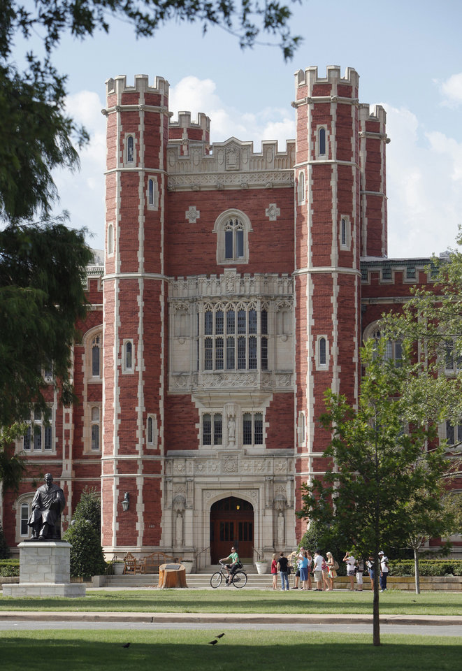 Photo - Evans Hall, the administration building, is shown  last year on the University of Oklahoma campus in Norman. Photo by Steve Sisney, The Oklahoman Archives