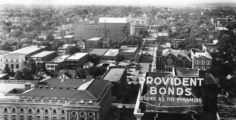 OKLAHOMA CITY / SKY LINE / OKLAHOMA:  Several years ago - looking norht up Robinson Avenue.  Photo undated and published 03/05/1939 in The Daily Oklahoman.