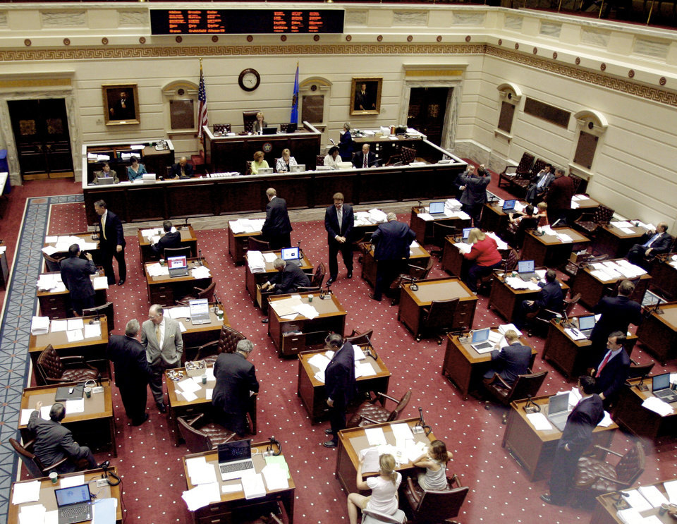 Photo - LAST DAY OF SESSION: The Senate during the final day of the session for the state Senate and House of Representatives, at the state Capitol in Oklahoma City, Friday, May 23, 2008. BY MATT STRASEN, THE OKLAHOMAN ORG XMIT: KOD