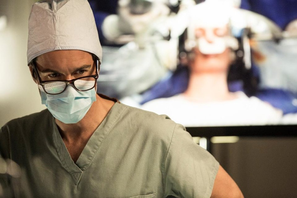 """Photo -  Eric McCormack stars in """"Perception."""" Photo by Trae Patton/TNT"""