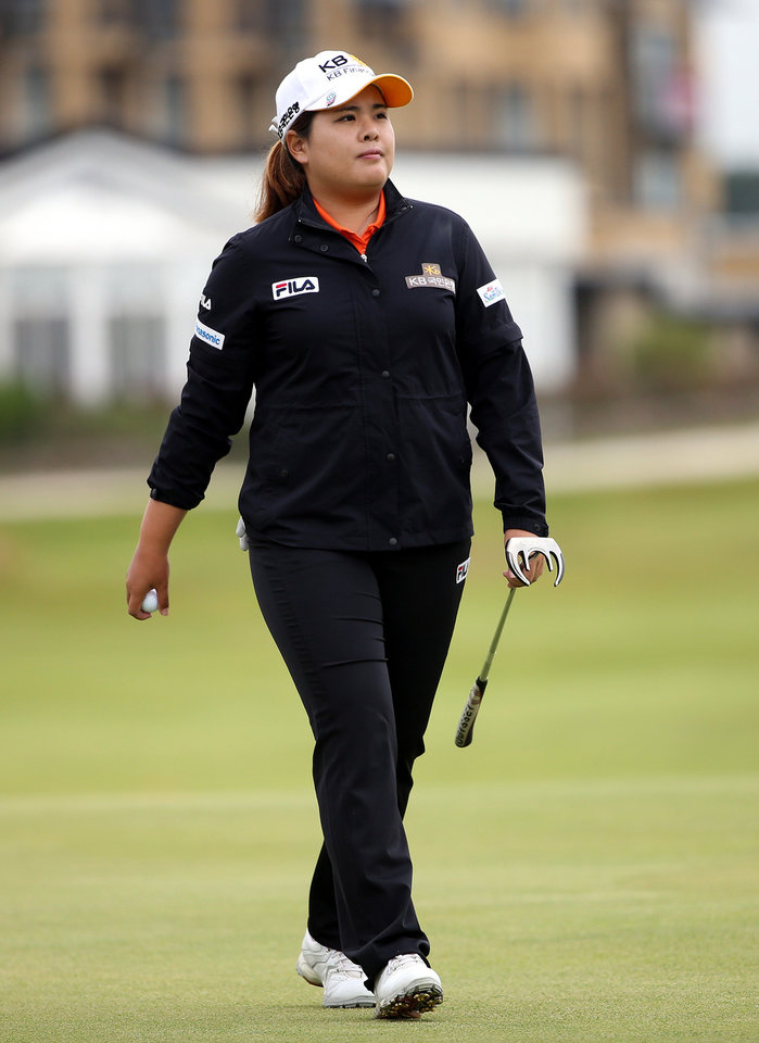 Photo - South Korea's Inbee Park, on the 17th green during the first round of the Women's British Open golf championship on the Old Course at St Andrews, Scotland, Thursday Aug. 1, 2013. (AP Photo/Scott Heppell)