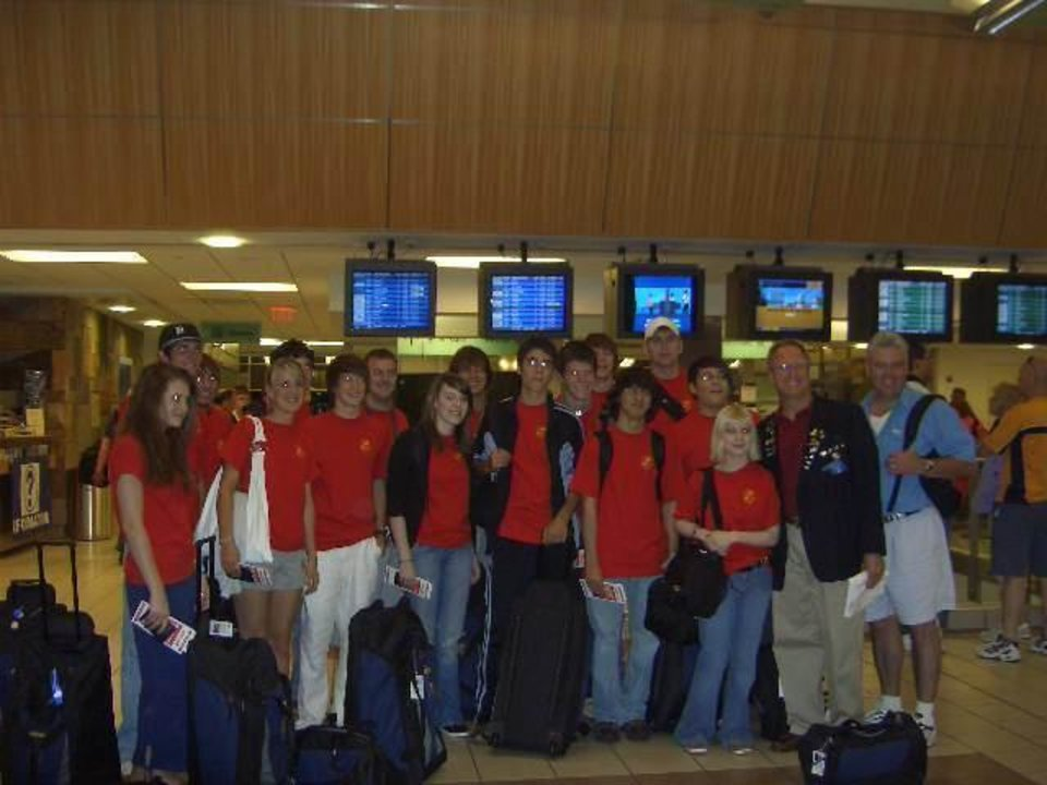 Wings of Rotary Youth Exchange travel to Japan.  Students from Midwest City, Carl Albert and Del City High School travel to Japan for a two week experience of a lifetime along with other high school students from across the state. The leader from the Midwest City Rotary Club is Mr. Ed Miller.<br/><b>Community Photo By:</b> Debbie Mercer<br/><b>Submitted By:</b> Debbie, Midwest City