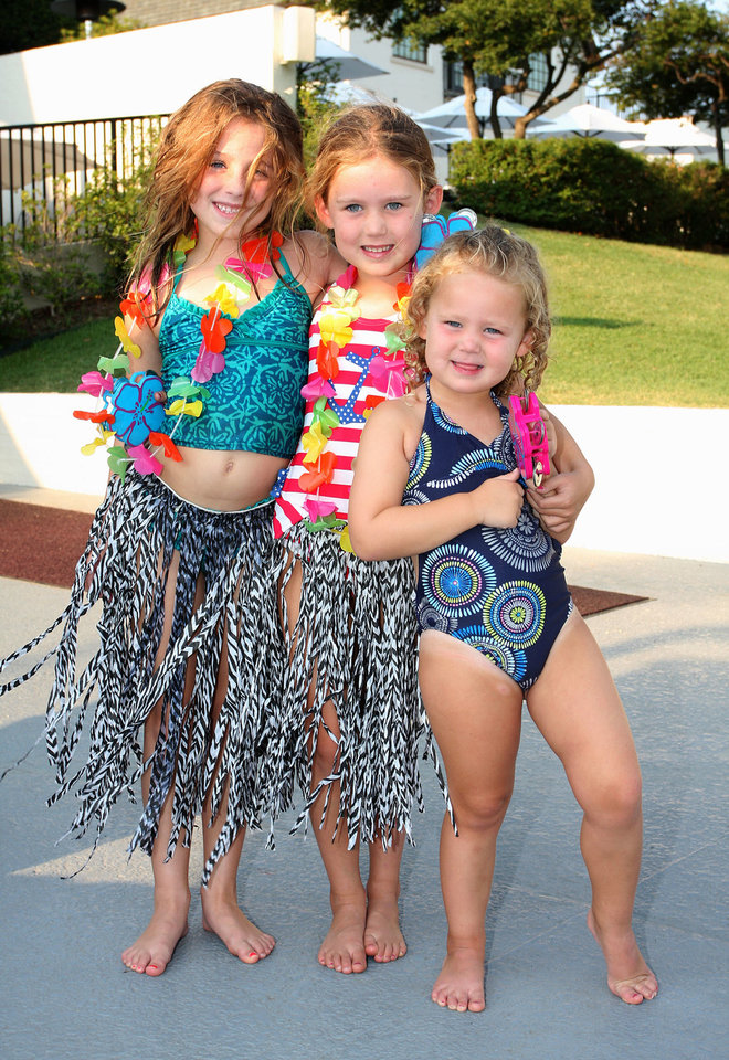 Hailey Jayne Johnson, 7, Allie Scholze, 6, Mia Scholze, 3. PHOTO BY DAVID FAYTINGER, FOR THE OKLAHOMAN <strong></strong>