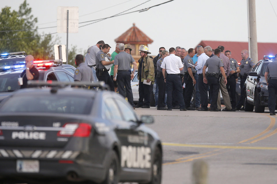 Armed Bystanders Shoot, Kill Gunman Who Opened Fire at Oklahoma City Restaurant