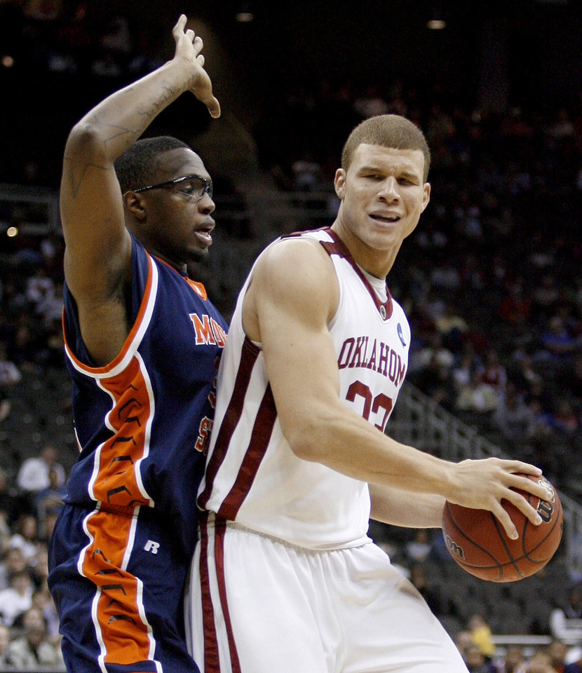 Photo - Morgan State's Ameer Ali defends OU's Blake Griffin during a first round game of the men's NCAA tournament between Oklahoma and Morgan State in Kansas City, Mo., Thursday, March 19, 2009.  PHOTO BY BRYAN TERRY, THE OKLAHOMAN