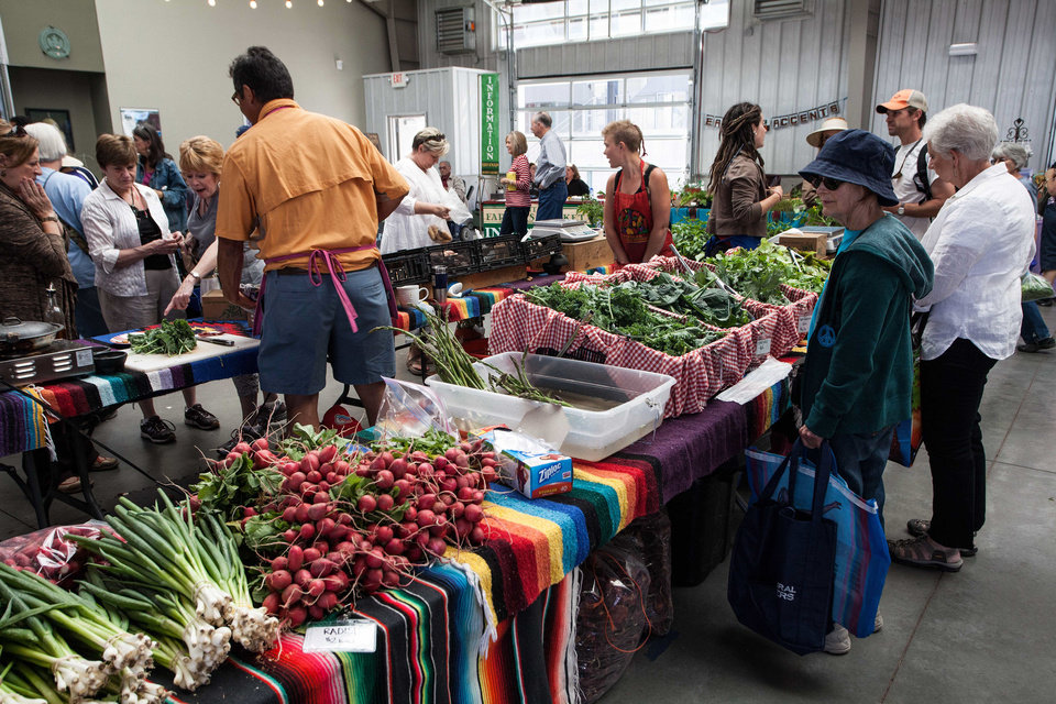 Photo - Patrons shop at the farmer's market in Santa Fe. Photo by Steve Haggerty/ColorWorld  ©Steve Haggerty