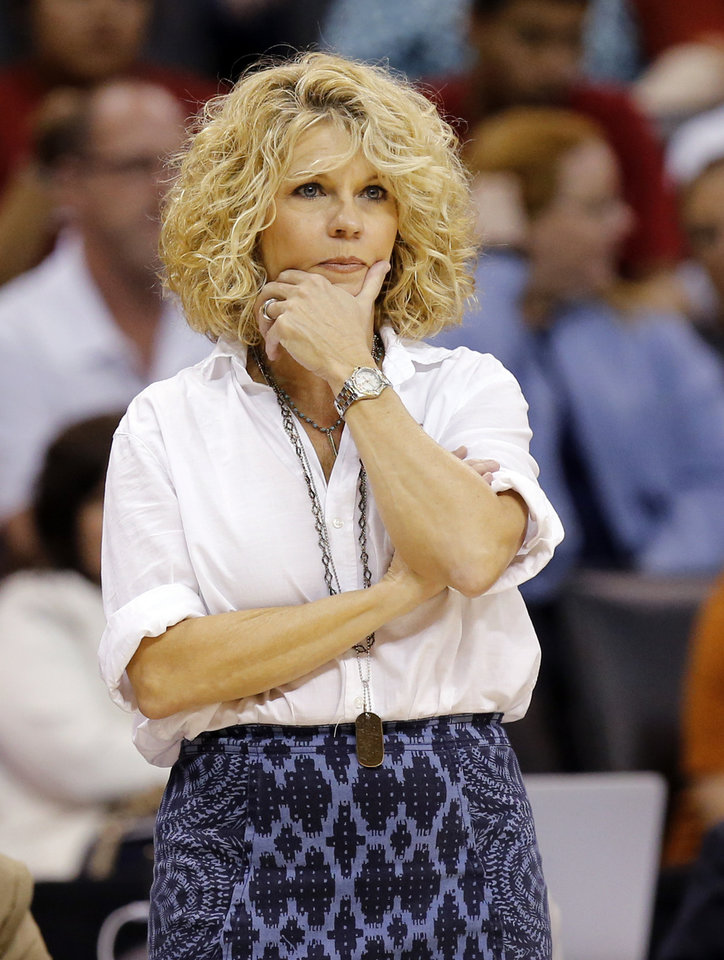 how tall is sherri coale