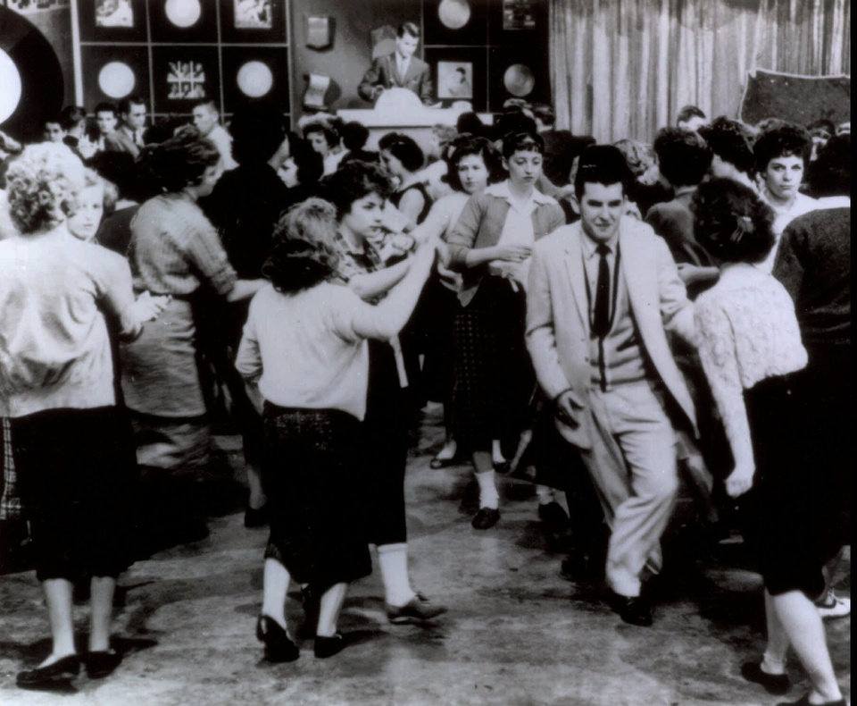 "ADV. FOR WKD. EDS., NOV. 4-7--FILE--Teens dance during ""American Bandstand"" in Philadephia in this undated photo.  ""American Bandstand"" first aired as a local show in Philadelphia, gained popularity with host Dick Clark after he joined the program in 1956, and then went national in 1957.(AP Photo/File)"