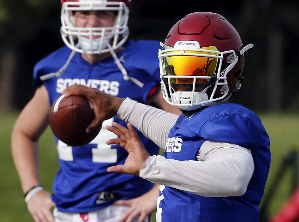 Photo - Kyler Murray (1) throws during college football practice for the University of Oklahoma Sooners (OU) in Norman, Okla., on Thursday, Aug. 16, 2018. Photo by Steve Sisney, The Oklahoman