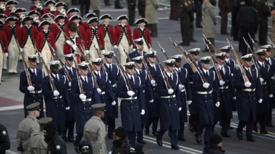 A U.S. Military Honor guard marches during the inaugural parade for President Barack  Obama Tuesday, January 20, 2009 in Washington. (AP Photo/Evan Vucci)