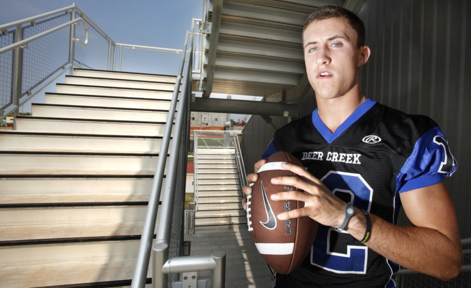 Photo - Deer Creek quarterback Joel Blumenthal. Photo By Steve Gooch, The Oklahoman  Steve Gooch - The Oklahoman