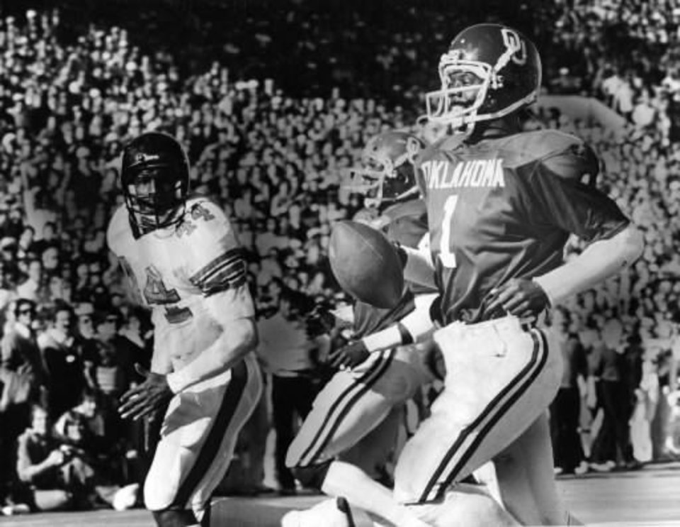 Former Oklahoma quarterback J.C. Watts scores a touchdown during the 1980 season. OKLAHOMAN ARCHIVE PHOTO