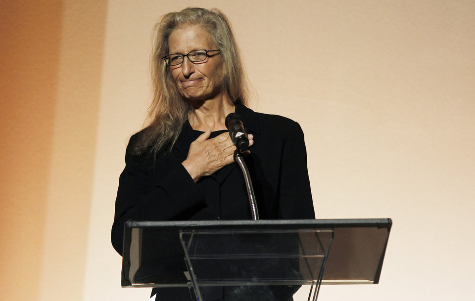 Photo -   Photographer Annie Leibovitz speaks at the 7th Annual MOCA Award to Distinguished Women in the Arts luncheon in Beverly Hills, Calif. Tuesday, May 1, 2012. The event honored Leibovitz. (AP Photo/Matt Sayles)