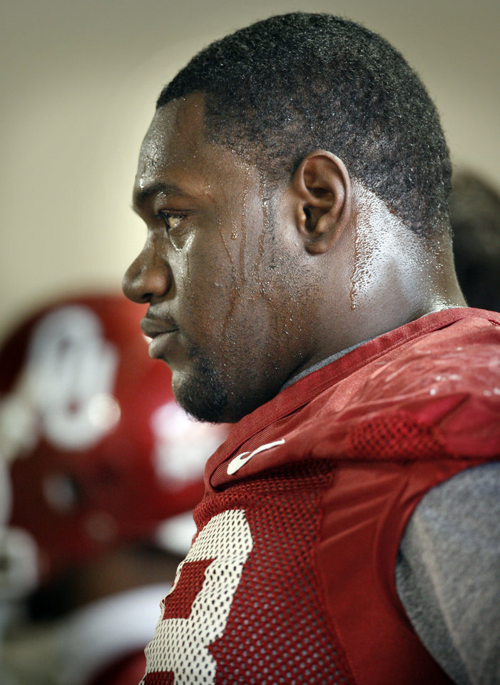 Photo - Redshirt freshman offensive lineman Alex Williams (78) at University of Oklahoma OU spring football practice in Norman, Oklahoma, on Tuesday, March 3, 2009.      Photo by Steve Sisney, The Oklahoman