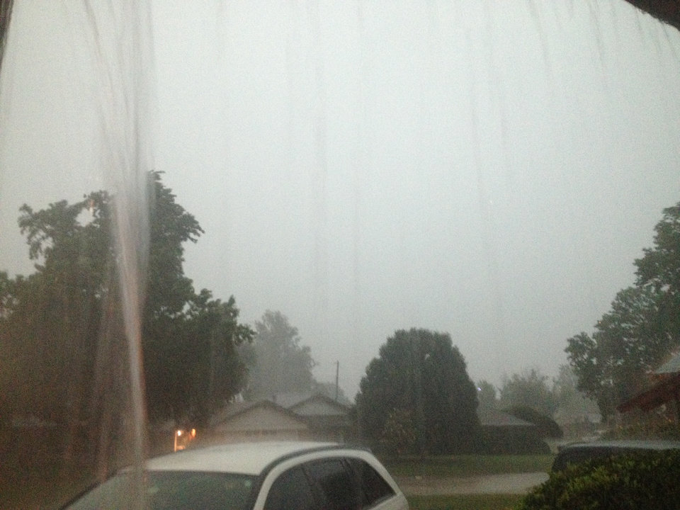 Photo - Rain in northwest Oklahoma City Friday morning - Photo by Robert Medley
