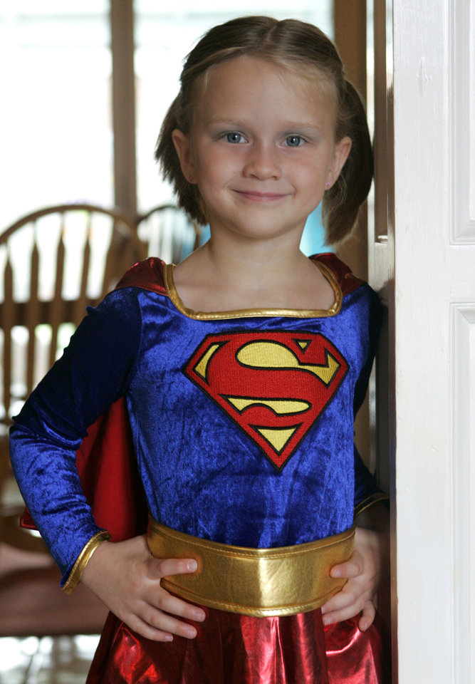 Photo - Emma McCarty, 5, poses with her Halloween costume in Edmond, Oklahoma October 21, 2009. Emma has type 1 diabetes. Photo by Steve Gooch, The Oklahoman ORG XMIT: KOD