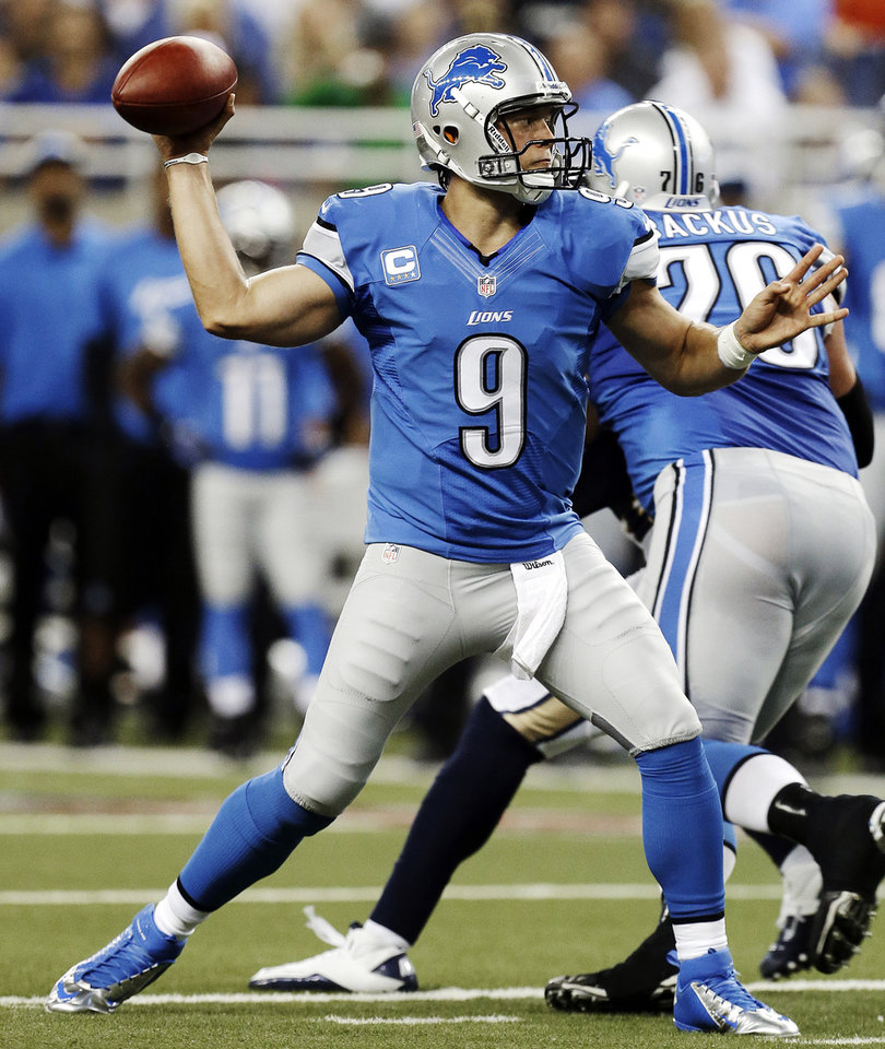 Photo -   Detroit Lions quarterback Matthew Stafford throws against the St. Louis Rams in the second quarter of an NFL football game in Detroit, Sunday, Sept. 9, 2012. (AP Photo/Paul Sancya)