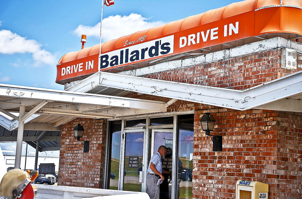 Customers arrive for lunch Monday at Ballard�s Drive-In in Pauls Valley.