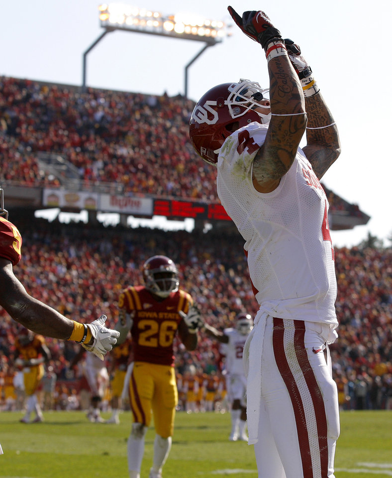 Oklahoma\'s Kenny Stills (4) celebrates after a touchdown during a college football game between the University of Oklahoma (OU) and Iowa State University (ISU) at Jack Trice Stadium in Ames, Iowa, Saturday, Nov. 3, 2012. Photo by Bryan Terry, The Oklahoman