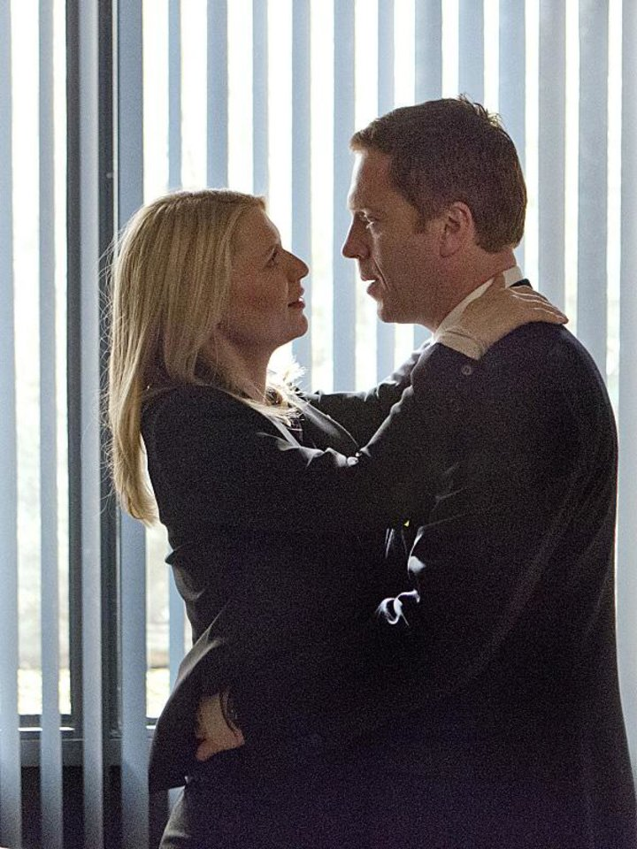 Claire Danes as Carrie Mathison and Damian Lewis as Nicholas �¢����Nick�¢���� Brody in Homeland (Season 2, Episode 12). - Photo:  Kent Smith/SHOWTIME - Photo ID:  Homeland_212_1109