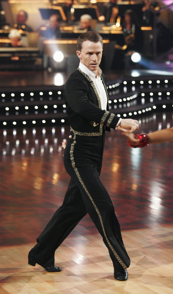 Photo - DANCING WITH THE STARS -