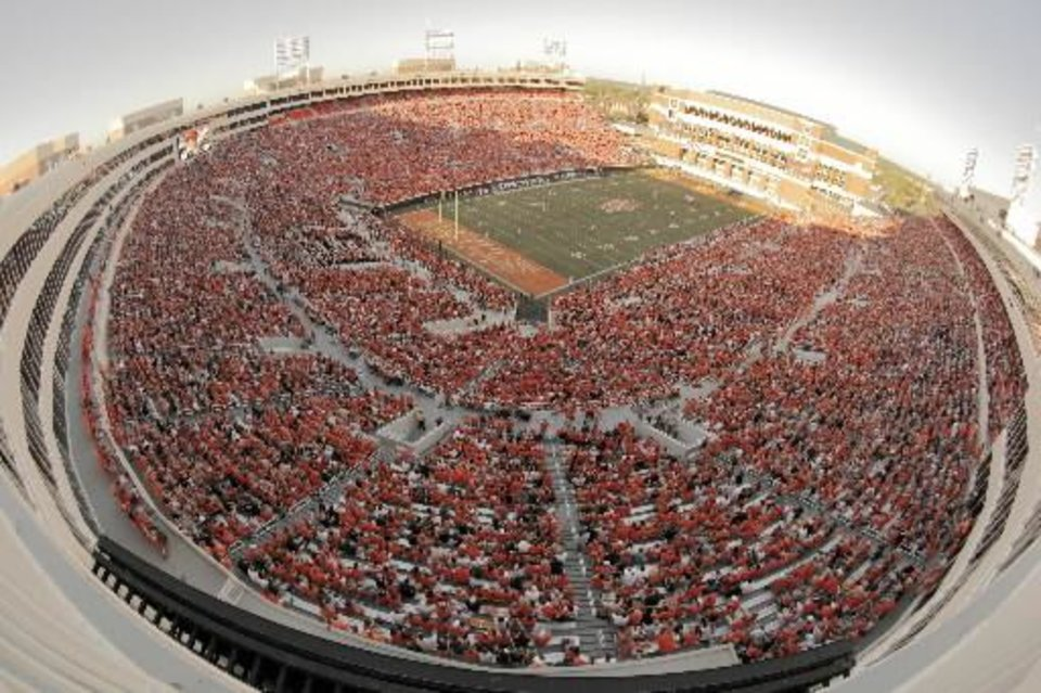 A sea of orange at BPS