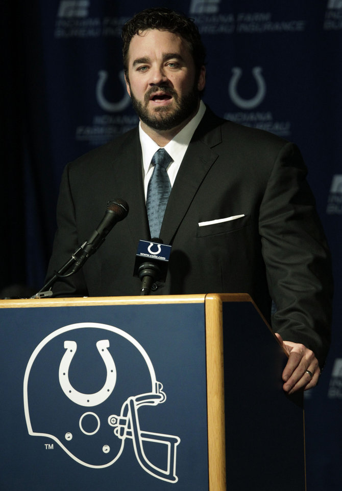 Photo - Jeff Saturday speaks at a news conference after signing a one day contract in order to retire as an Indianapolis Colt Thursday, March 7, 2013, in Indianapolis. Saturday spent 13 seasons in Indianapolis before signing with Green Bay last year. (AP Photo/AJ Mast)
