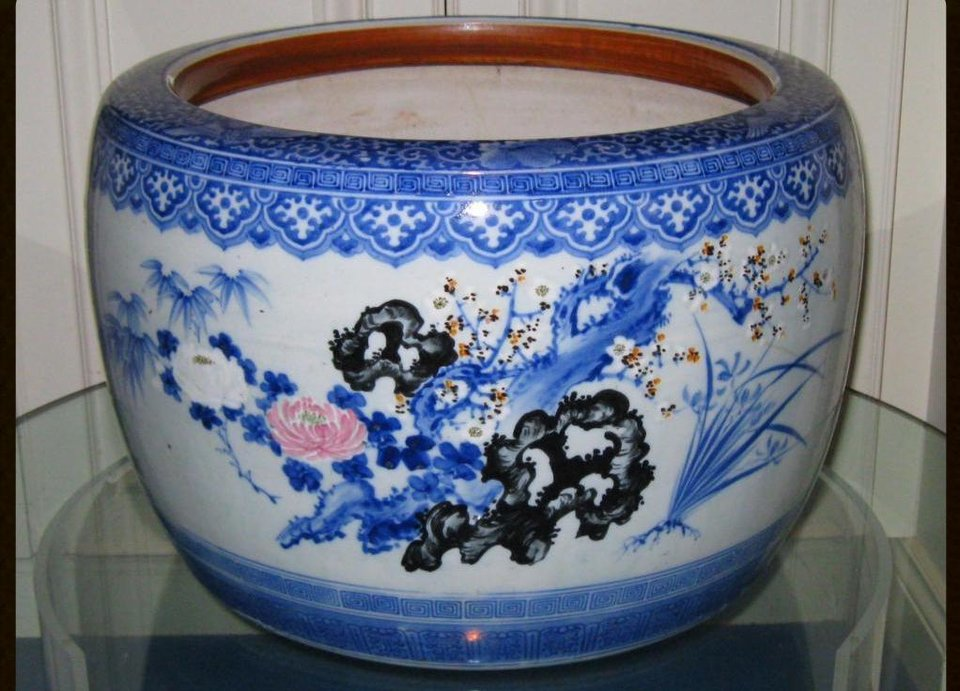 Photo -  A large Japanese porcelain jardiniere is among the items in the Walsh estate sale. PHOTO PROVIDED