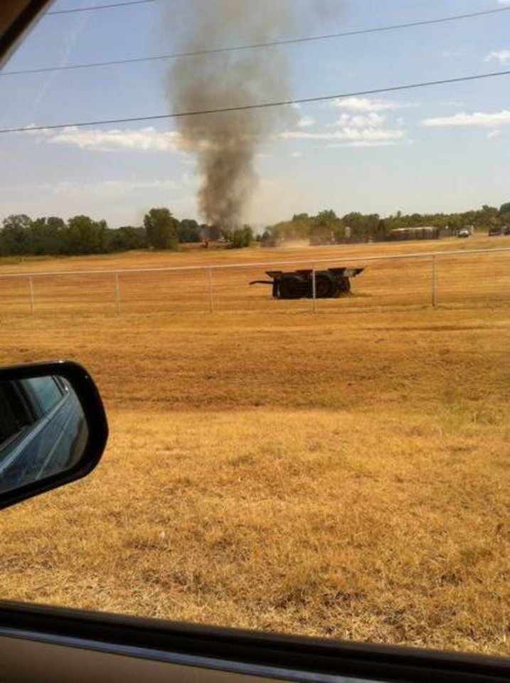 Photo - Fire near Waterloo and Broadway in north Edmond