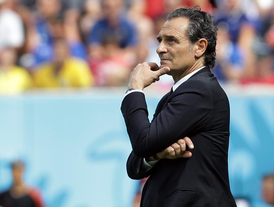 Photo - Italy's head coach Cesare Prandelli stands on the touchline during the group D World Cup soccer match between Italy and Costa Rica at the Arena Pernambuco in Recife, Brazil, Friday, June 20, 2014. (AP Photo/Antonio Calanni)