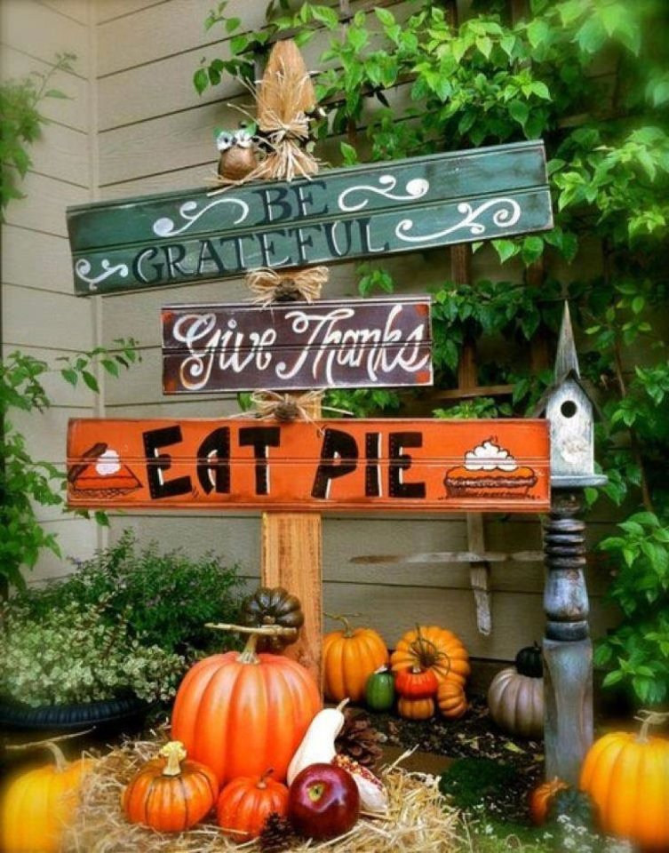 Photo - From Etsy.com, this cute yard sign can be a simple DIY project for anyone handy with paint, a hammer and nails. Photo provided.