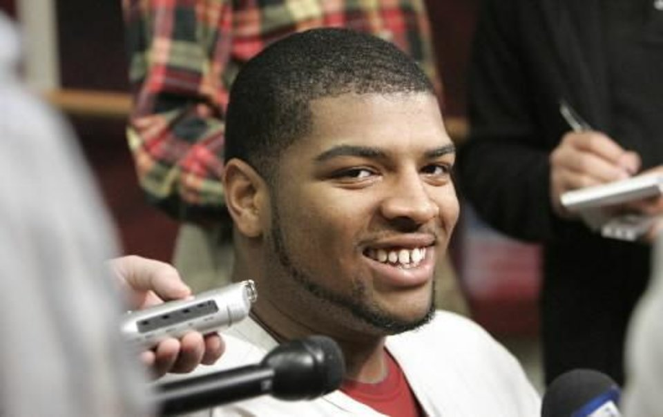 Photo - OU football player  Trent  Williams speaks Wed. Dec. 16, 2009 at the OU football team's last availability press conference before they leave for El Paso. Photo by Jaconna Aguirre, The Oklahoman