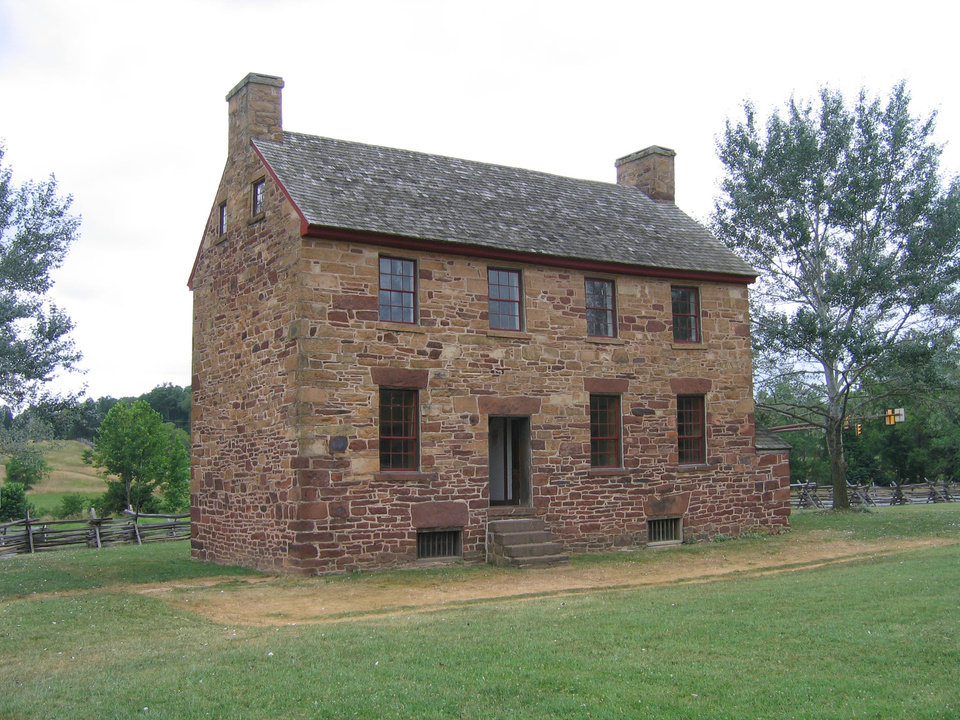 Photo - The Stone House, located in the Manassas National Battlefield Park, dates from 1848.  PHOTO BY RICK ROGERS, THE OKLAHOMAN		ORG XMIT: 1001081812510825
