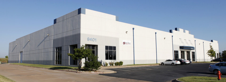 Vanguard Development built this bulk warehouse at 9401 S Pole Road, which is fully leased, in 1999-2000. <strong>PAUL B. SOUTHERLAND - The Oklahoman</strong>