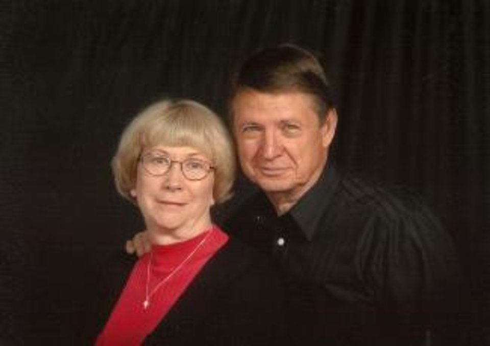 Jerry and Nell Reed<br/><b>Community Photo By:</b> Life Touch<br/><b>Submitted By:</b> Nell, Midwest City