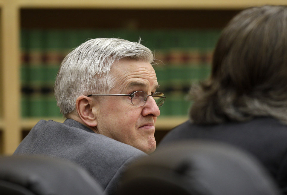 Photo -   Steve Powell looks toward his attorneys during the day of final arguments in his voyeurism trial, Tuesday, May 15, 2012, in Tacoma, Wash. The trial was sent to the jury Tuesday without a verdict, and deliberations will resume on Wednesday. Powell is the father-in-law of missing Utah mother Susan Powell. (AP Photo/Ted S. Warren)