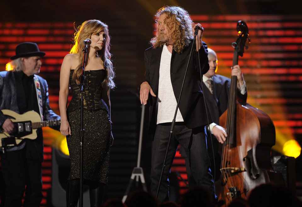 Alison Krauss, left, and Robert Plant perform at the 51st Annual Grammy Awards on Sunday, Feb. 8, 2009, in Los Angeles. (AP Photo/Mark J. Terrill)