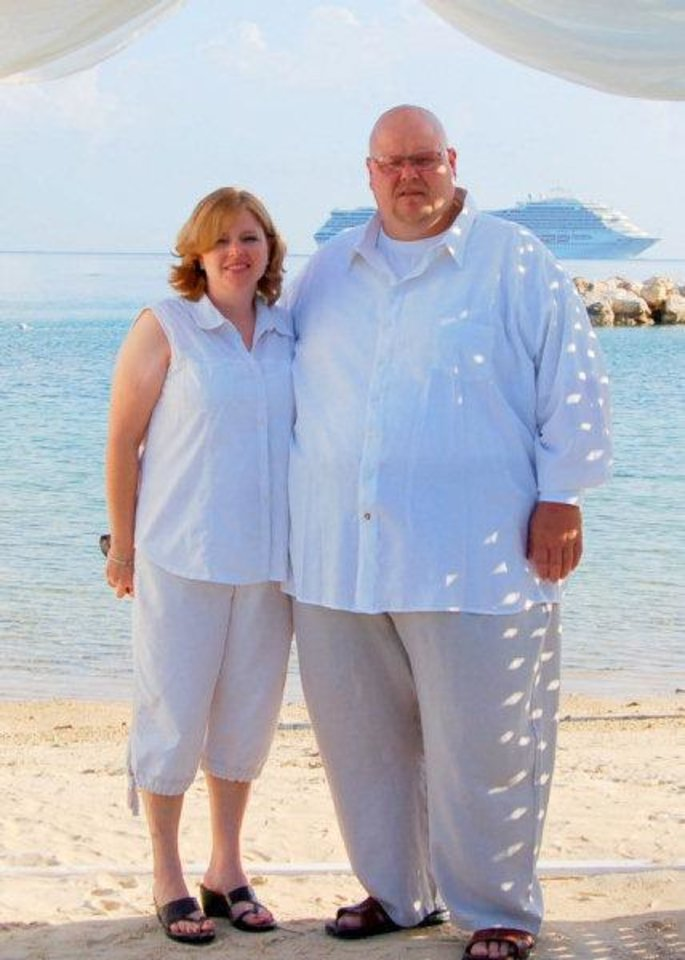 Photo - Mat Jones and his wife, Sherrie Jones, before he lost weight.  PROVIDED - Provided