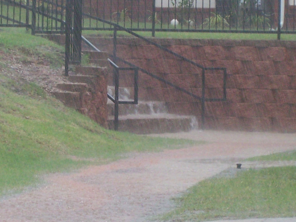 Another pic from thunder storm in guthrie on 6-10-07<br/><b>Community Photo By:</b> Ryan and Lesli<br/><b>Submitted By:</b> Lesli, Guthrie